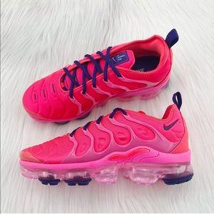 Women's Nike Air Vapormax Plus Pink Blast Sneakers